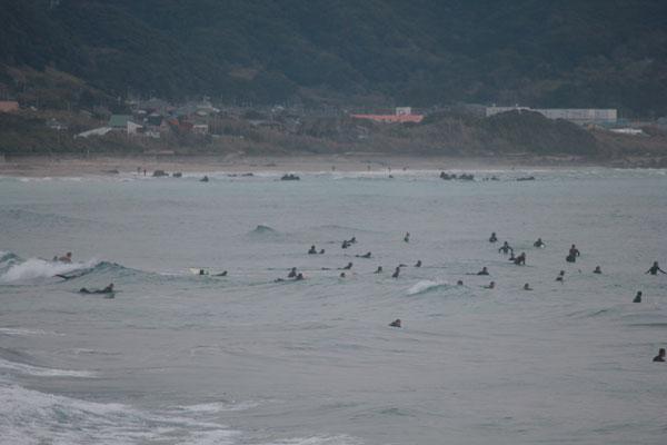 正月休みで海は混雑